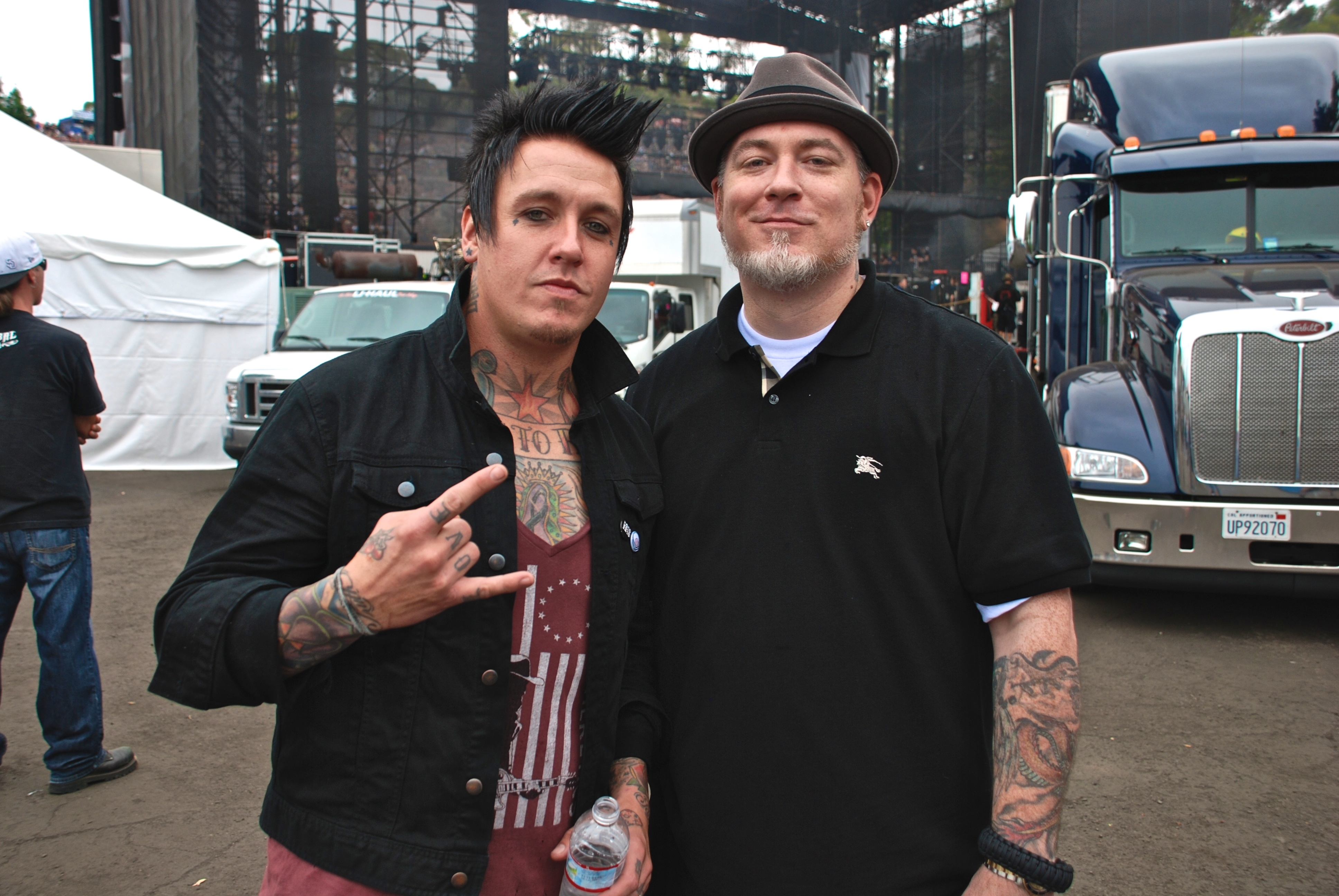 Papa Roach S Jacoby Shaddix Hanging With Everlast