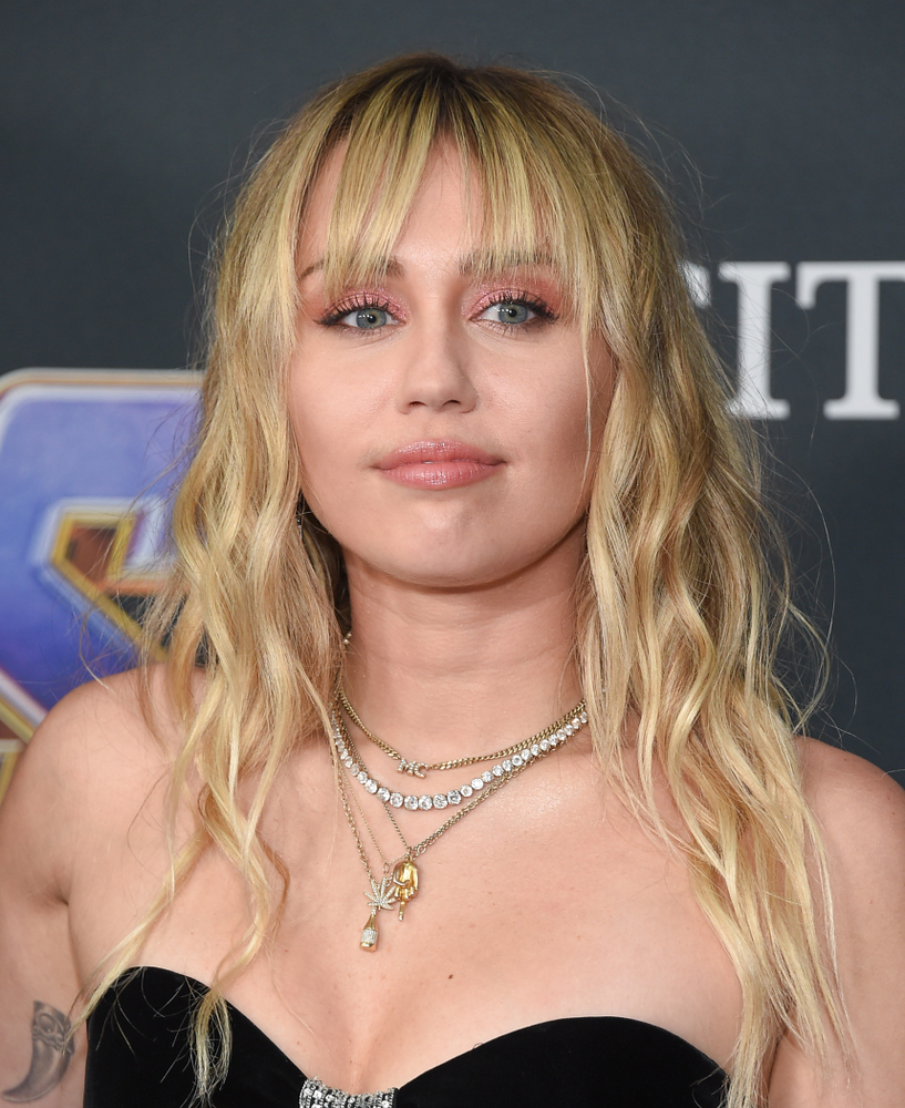 Miley Cyrus Has Vocal Cord Surgery