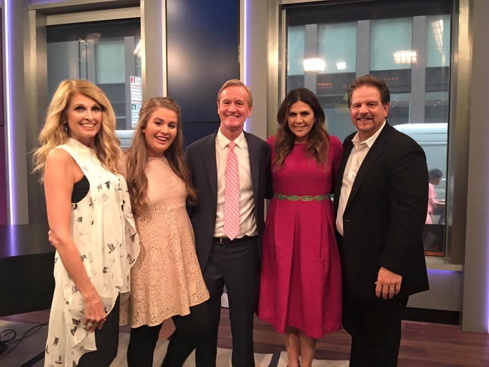 Hillary Scott The Scott Family Appear On 39 Fox Friends