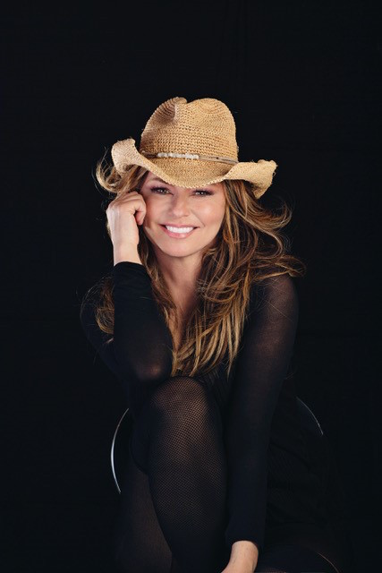 Shania Twain Joins 'American Music Awards' Performer Lineup